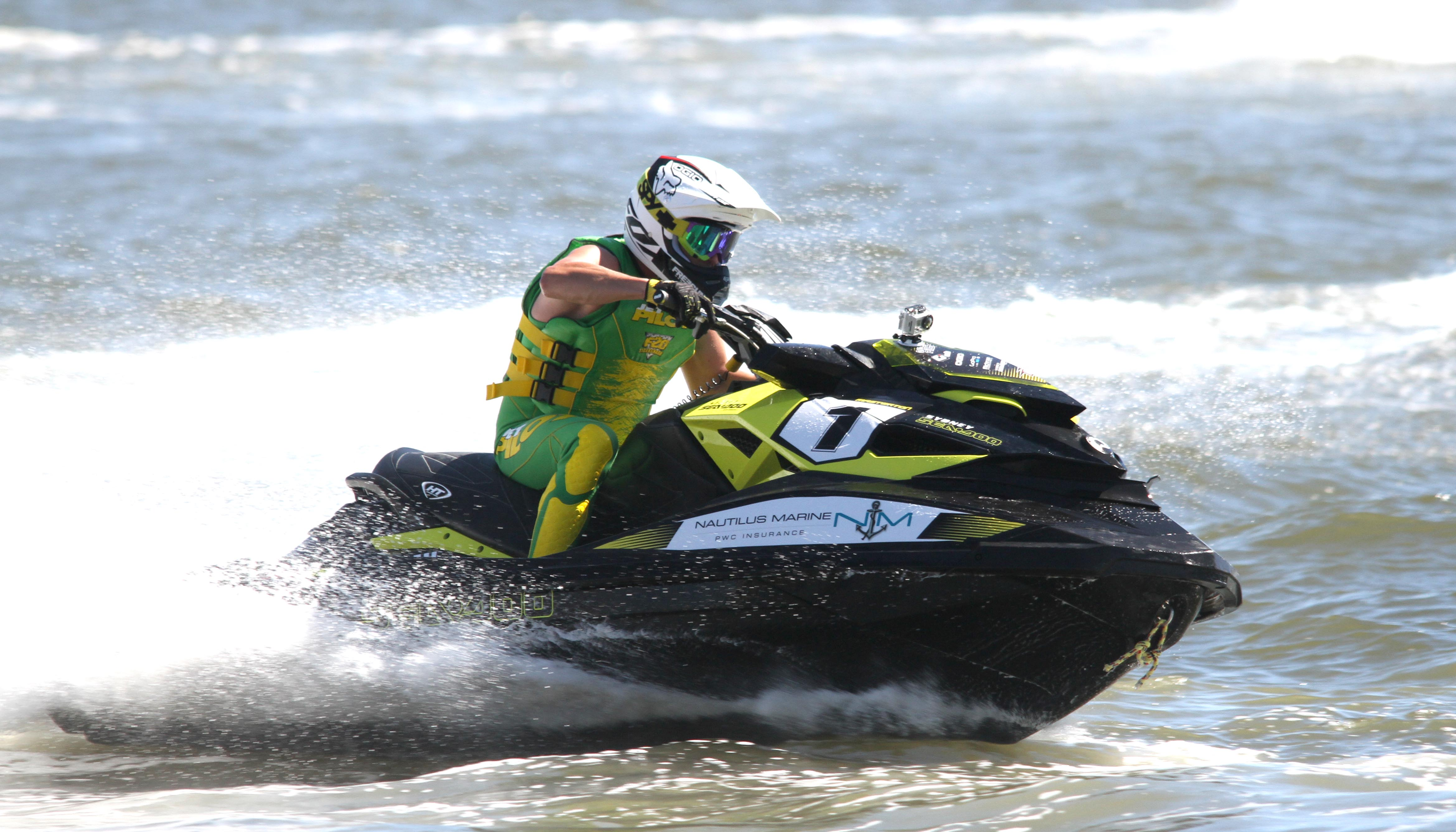 Yamaha Jetpower 'King of the River' lights up Perth - RIDE SAFE